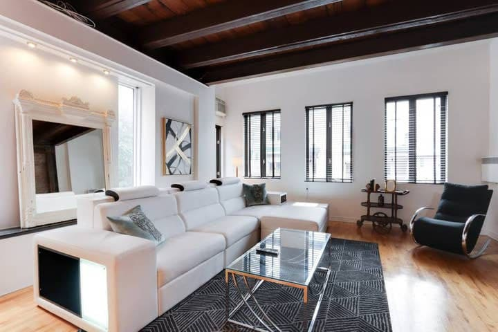1600 sq foot 2 floor designer loft! Top location