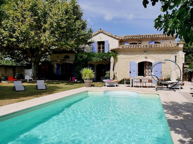 Studio in a traditional house near Avignon - Rognonas