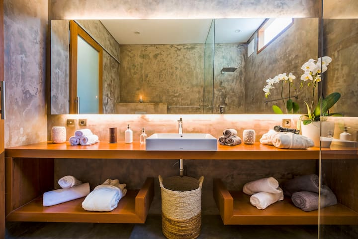 Luxury bathroom for you and your soulmate
