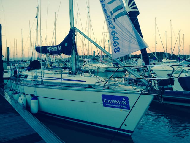 38ft sail yacht.  Hamble8bed REDUCED SPRING PRICE