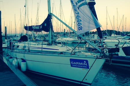 38ft sailing yacht. Port hamble8bed - Hampshire