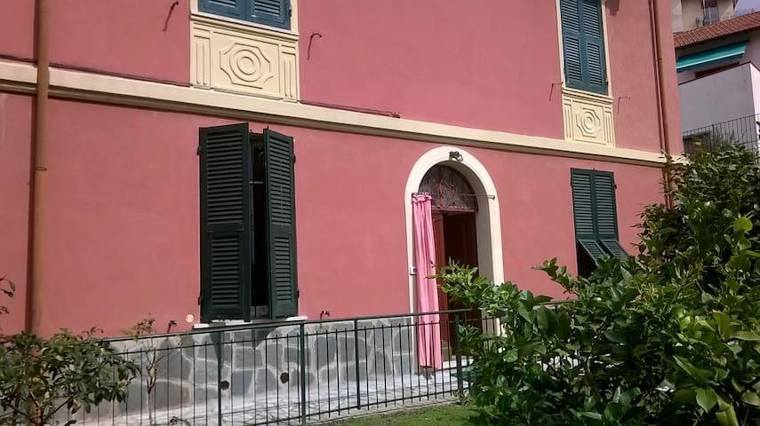 LA PORTA PER LE 5 TERRE - La Spezia - Villa