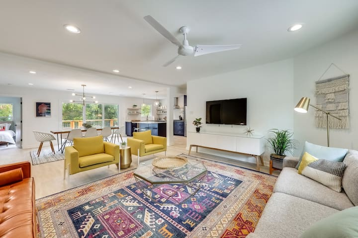 Travis Heights Treasure w/ Heated Pool - 4 Min to Downtown | Professionally Cleaned + Hosted By GuestSpaces