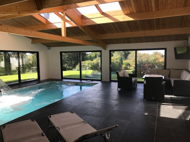 Beautiful Country House With Indoor Pool & Grounds
