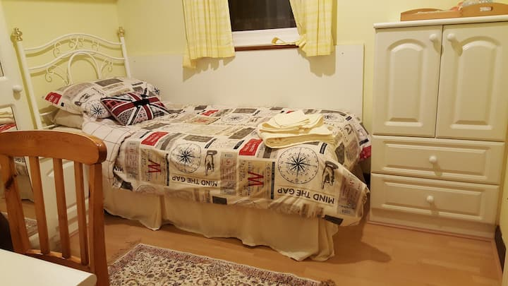 Single room with parking and wifi
