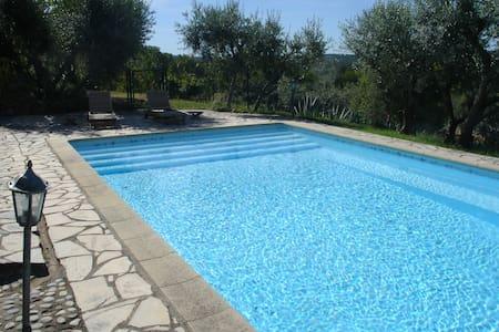 Villa indépendante en provence - Figanières