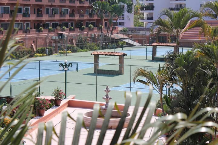Amazing location Puesta del Sol Condo