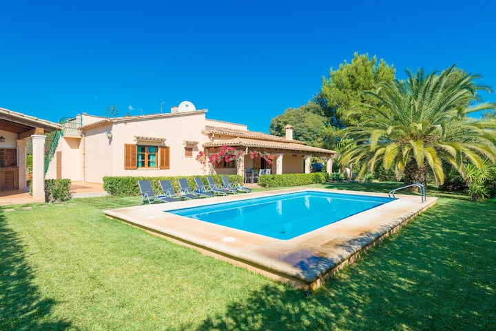 CASA DANIELA - Great country house with beautiful garden and private pool. Free WiFi