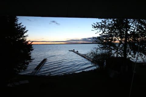 Lake Front Cabin!