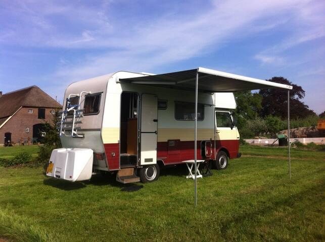Ruime, comfortabele en betrouwbare oldtimer camper - Zutphen - Camper