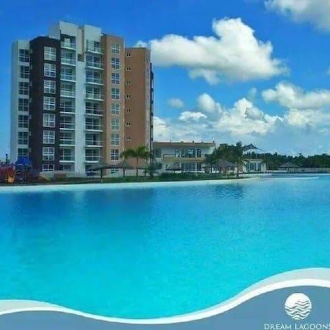 Excelente y confortable residencia con piscina