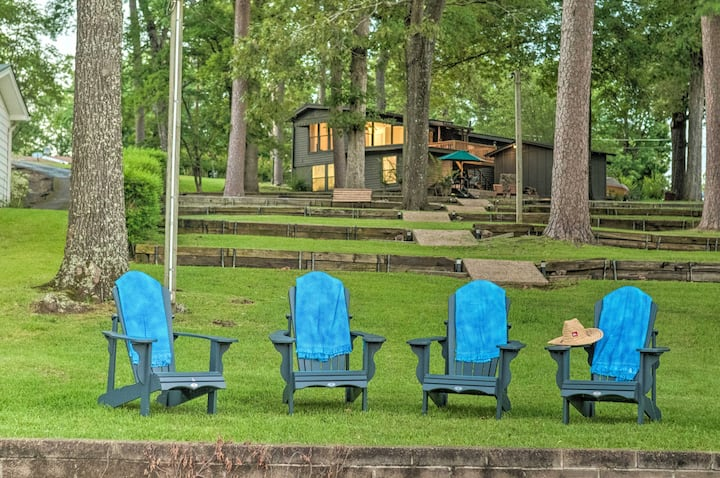 NEW! Waterfront Hot Springs Oasis 6Mi to Downtown!