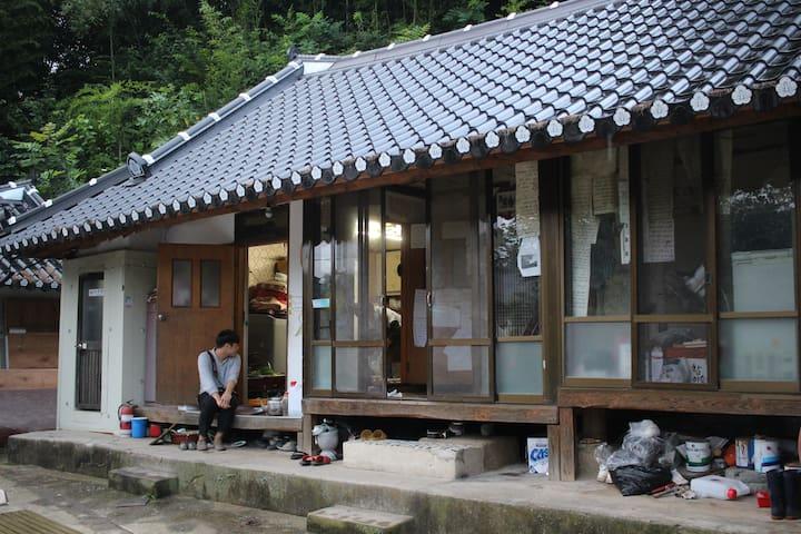 작은방 - Sannae-myeon, Namwon-si - Casa