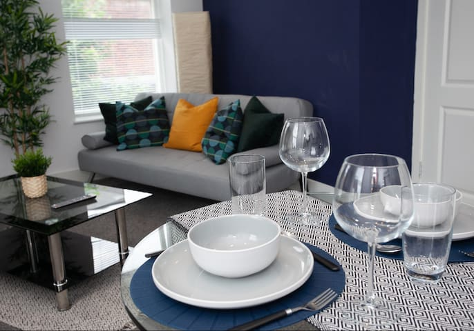 Cross St Boutique Apartment- Altrincham Centre