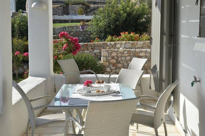 GRNHPAR401-1 Three Bedroom Villa in Naoussa