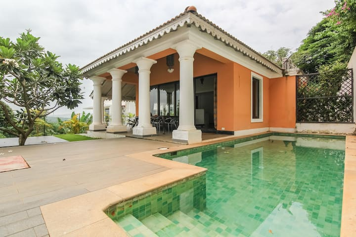 Cozy 1 BHK luxurious Villa with pool near Candolim