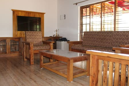 NIKUNJ ESTATE HOME STAY