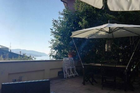 accogliente monolocale in collina - La Spezia - Apartamento