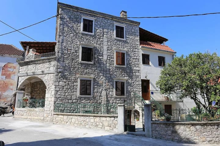 One bedroom apartment with air-conditioning Trpanj, Pelješac (A-10121-b) - Trpanj - Byt