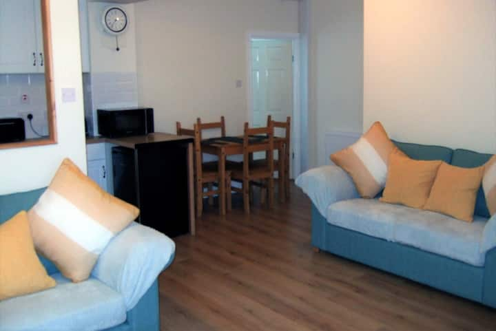 Highly Scenic Within Snowdonia, Close to Beach.