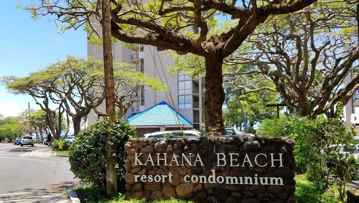 Kahana Beach Studio sleeps 4
