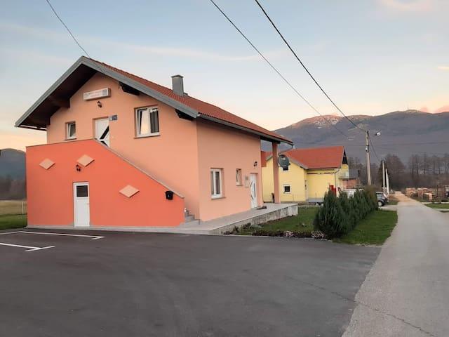 Guest House Mačić Apartment 3 ***