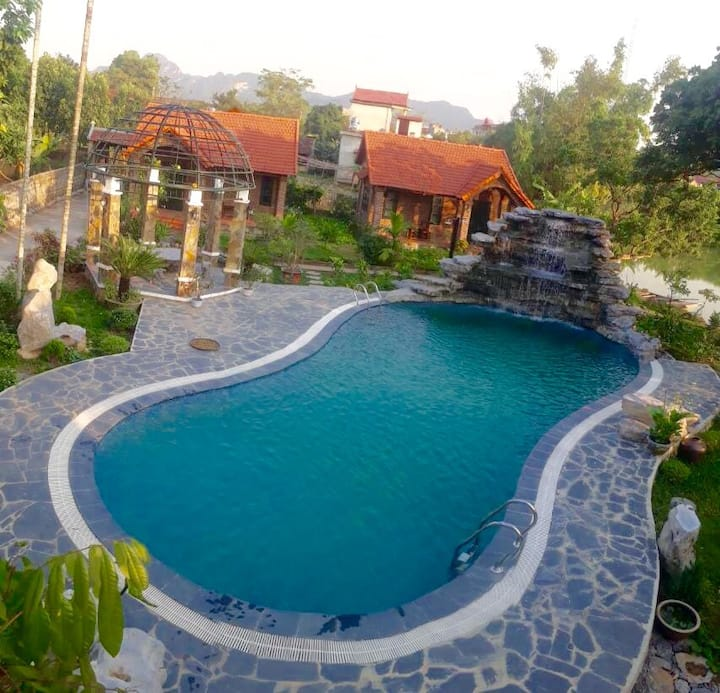 Deluxe bungalow with swimming pool view