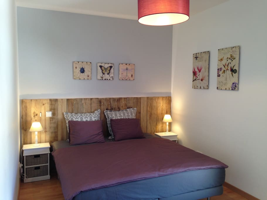 Bedroom 2 with AC : Can be made as either two single beds or a queen size double bed. Let us know beforehand how you would like it to be made!