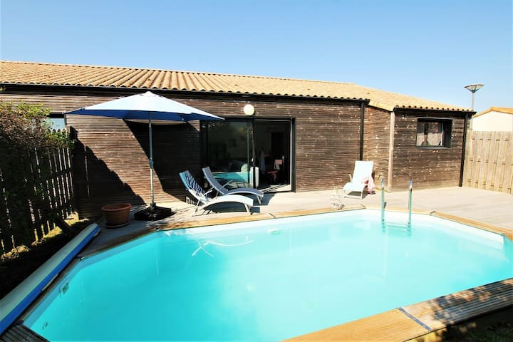 Villa Arméria, 6 beds,  heated pool