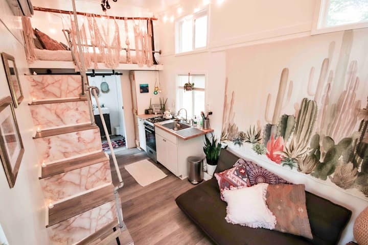 Tiny House Nomadic Soul Retreat in Heart of CLT