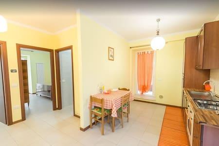 Intero appartamento in casolare ristrutturato - Borgaccio - Huoneisto