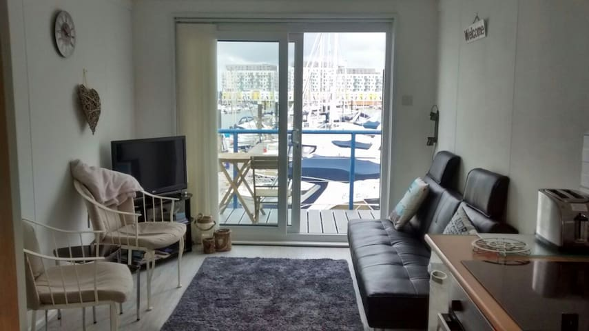 Brighton Marina 1 Bedroom Floating Apartment