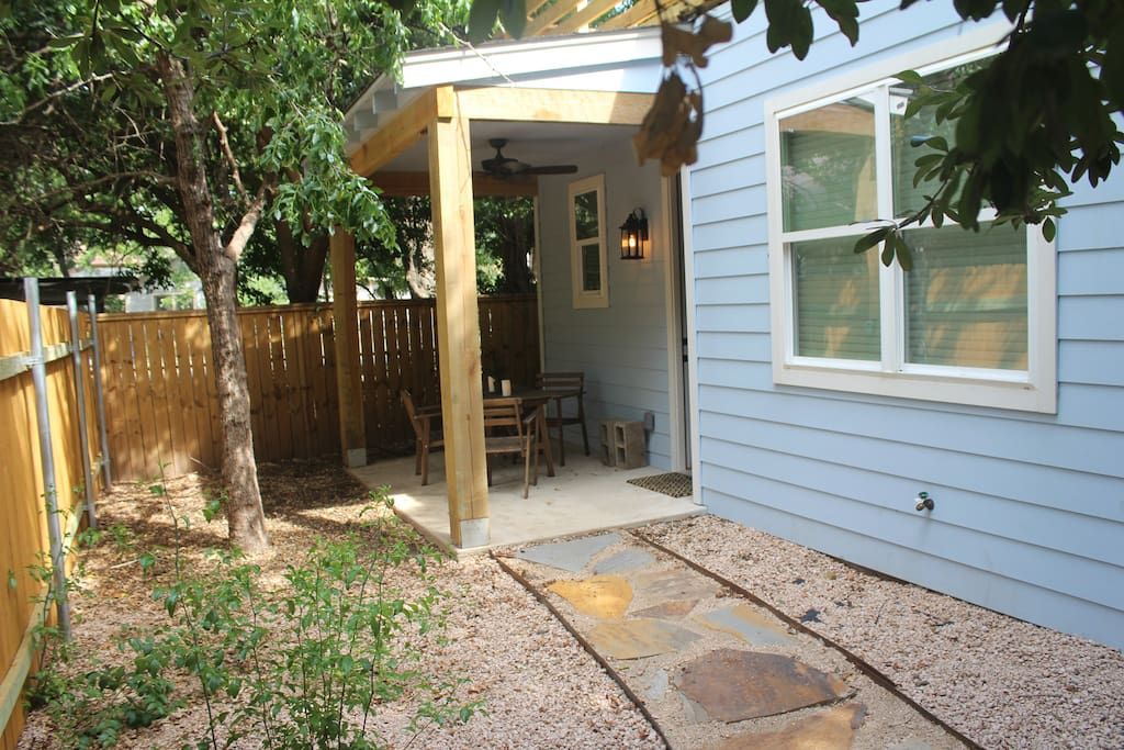 Front porch, private