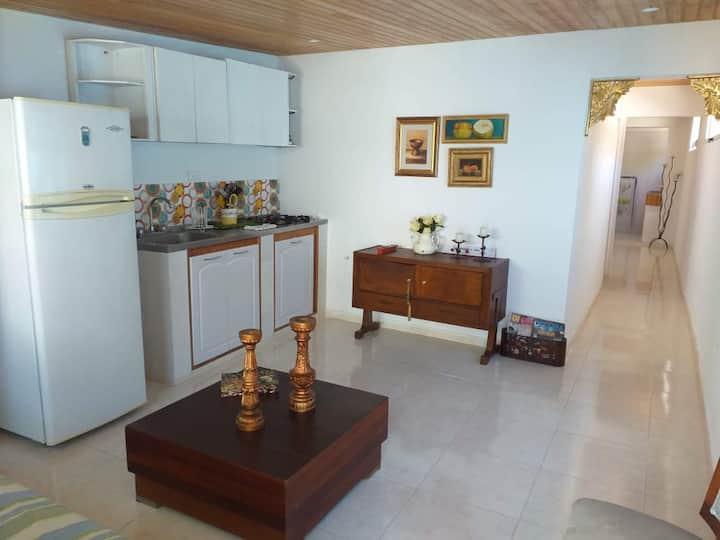 Acogedora y céntrica casa. Tu hogar en Santa Marta