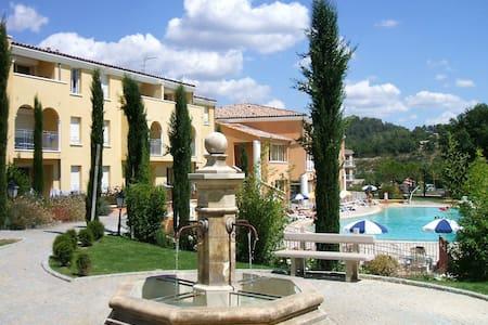Studio climatisé 4* piscine Gréoux les Bains - Gréoux-les-Bains - Huoneisto