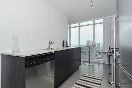 Luxury downtown city/lake condo - Toronto - Wohnung