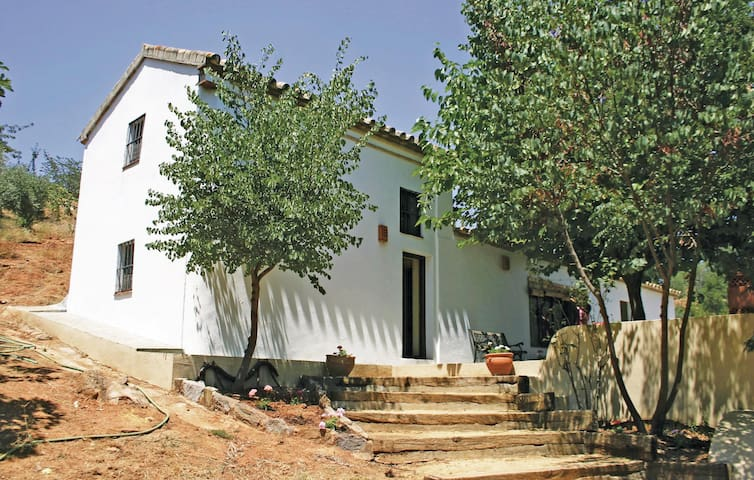 Holiday cottage with 2 bedrooms on 80m² in Constantina