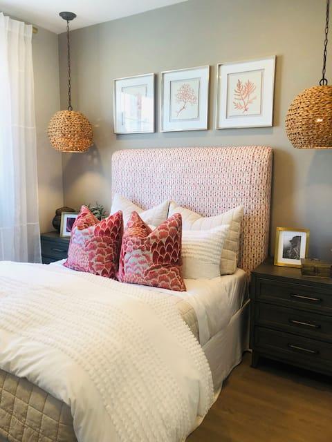 Brand new Private Room w/ Interior design