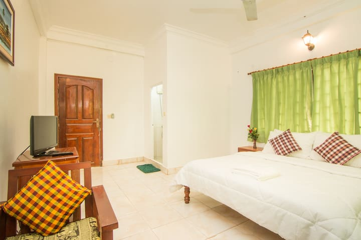 Private Room(Bed,Breakfast&wifi) - Krong Siem Reap