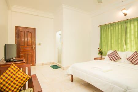 Private Room(Bed,Breakfast&wifi) - Krong Siem Reap