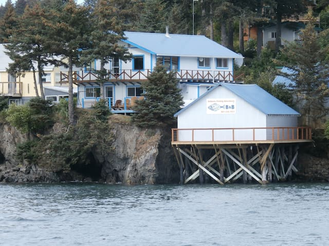 Seldovia Fishing Adventures Bed and Breakfast - Seldovia - Bed & Breakfast