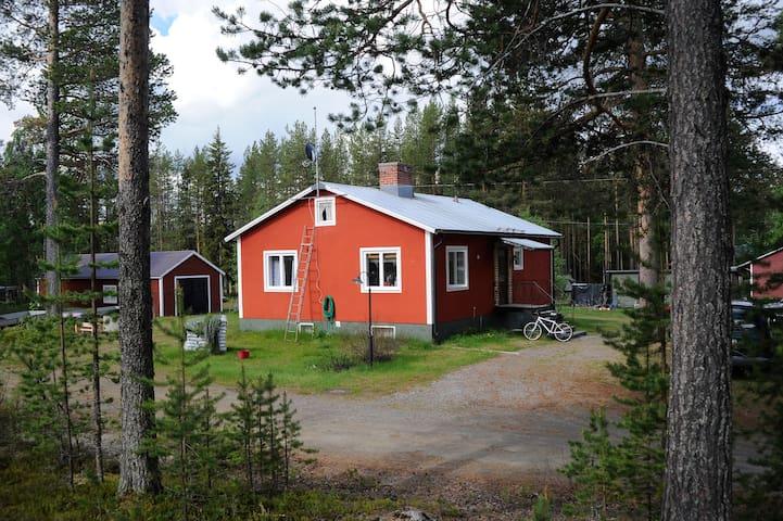 Fullt utrustat sjönära hus. - Moskosel - House