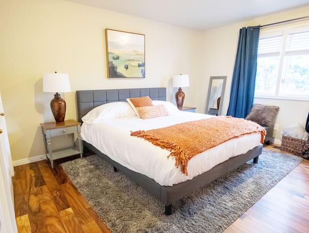 Modern, Luxurious Millcreek Retreat - Close-In!