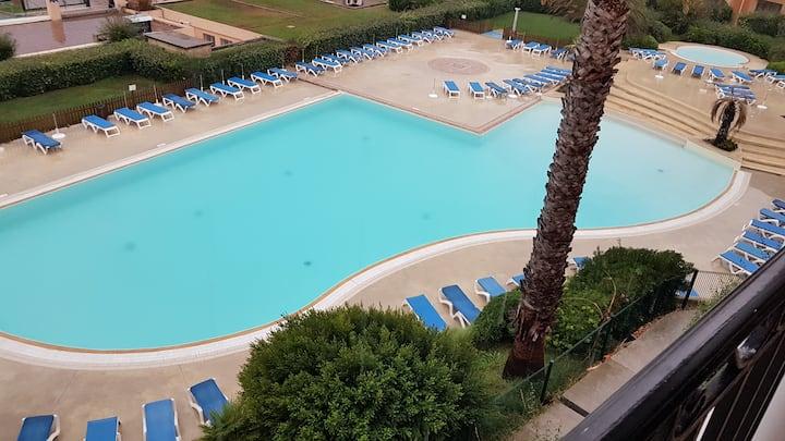 Six-Fours-Les-Plages T2  vue sur mer ,piscine