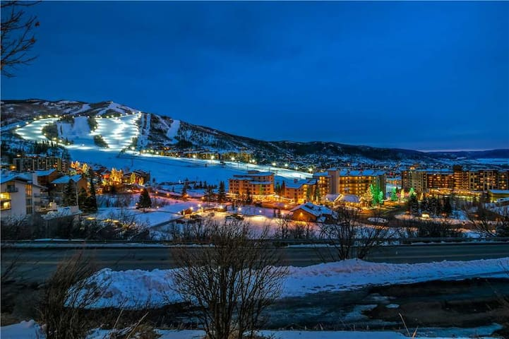 Discounted Lift Tickets! Close to Steamboat Ski Mountain and Downtown!  - Storm Watch 205