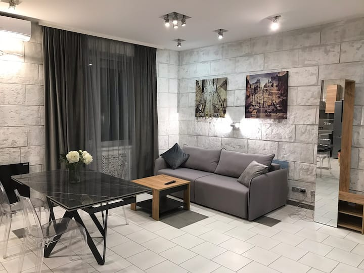 Stylish apt on Basseina Str/Arena city.