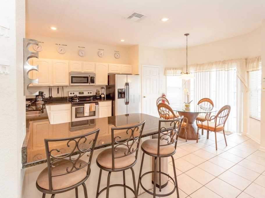 Sweet Home Vacation Disney Rentals Vacation Homes Florida Orlando Windsor Hill Resort (kitchen)