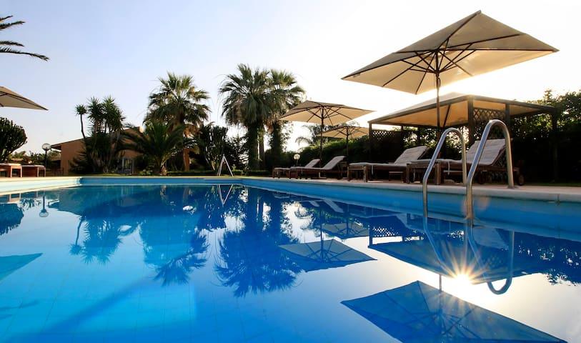 Villa Carlotta resort