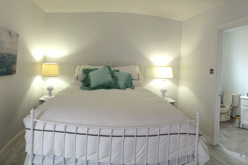 My master bedroom is available for an additional price . Honeymoon???