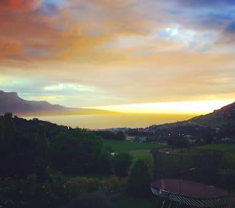 Montreux Jazzfest! Minutes to Lake Geneva! - Saint-Légier-La Chiésaz